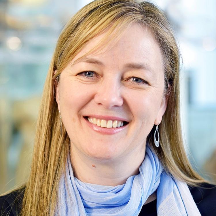 Dr.  Hélène Ouellette-Kuntz
